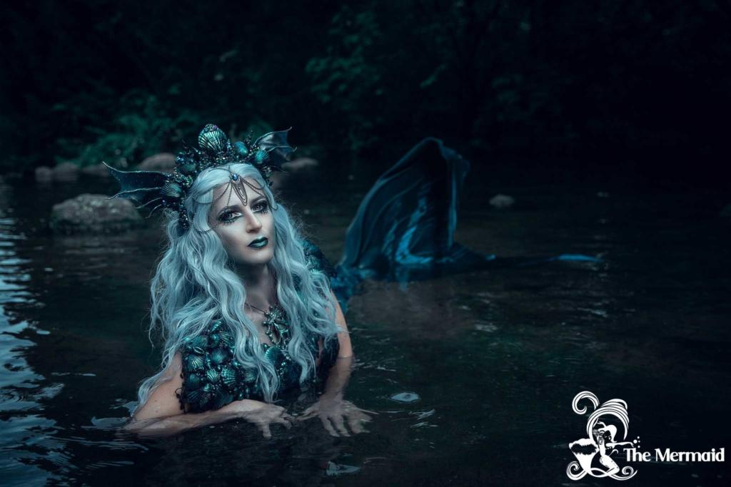 Ein düsteres Meerjungfrauen-Shooting mit Rekii Fotografie.