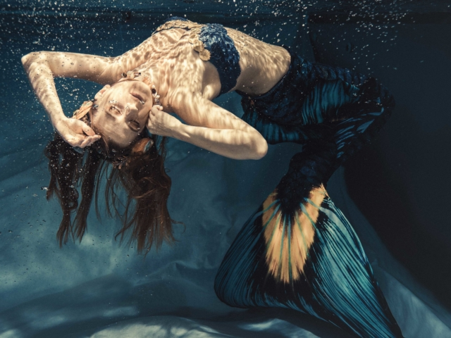 The Mermaid: Meerjungfrauen-Shooting Lichtfang Photographie Weimar