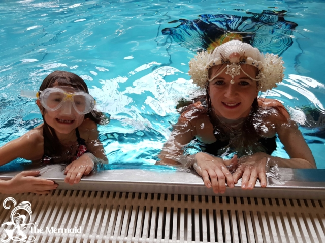 The Mermaid beim Meerjungfrauenschwimmen