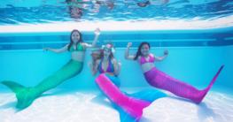 Bei der Mermaid Kat Academy kannst Du einen Kurs im Meerjungfrauenschwimmen buchen - und dabei für die Buschfeuer in Australien spenden. Anmeldung auf: www.meerjungfrauen-schule.de. Foto: Ian Gray