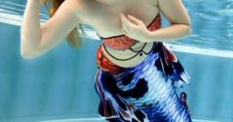 Was kann man als Meerjungfrau in diesen Tagen zu Hause machen? Ich grüble...
